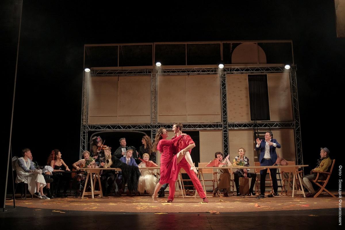75-й сезон калининградской драмы открыла шекспировская комедия