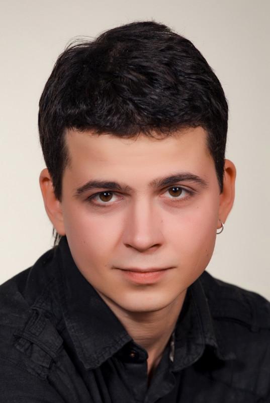 Захаров Антон Евгеньевич